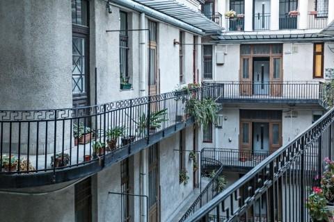 Baross utca (4 különálló lakás)
